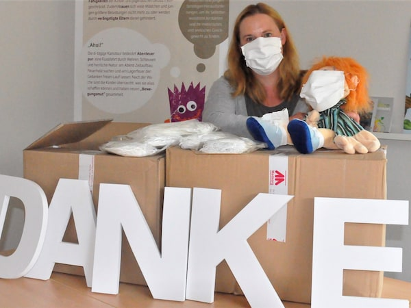 Bild_Masken-Spende_Elterninitiative krebskranker Kinder Oldenburg e.V.